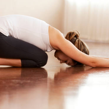7 Best At-Home Yoga Stretches For Runners